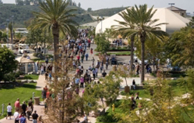 Saddleback Church Sprung buildings help with expansions of mega churches