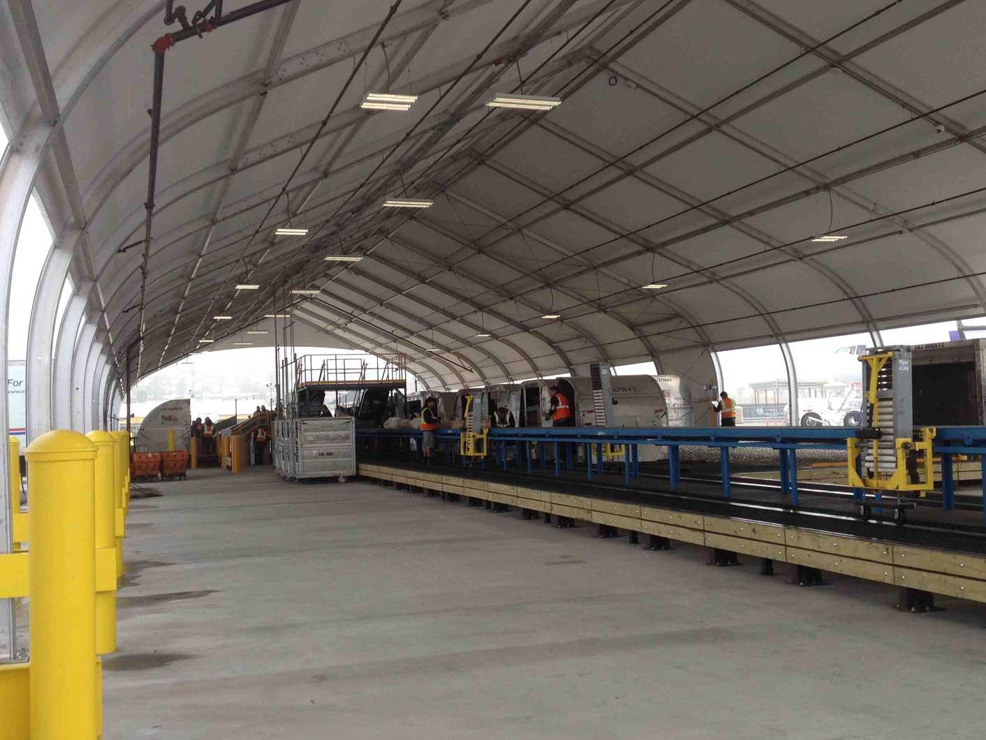 Aviation buildings - FedEx Logistics fabric structures