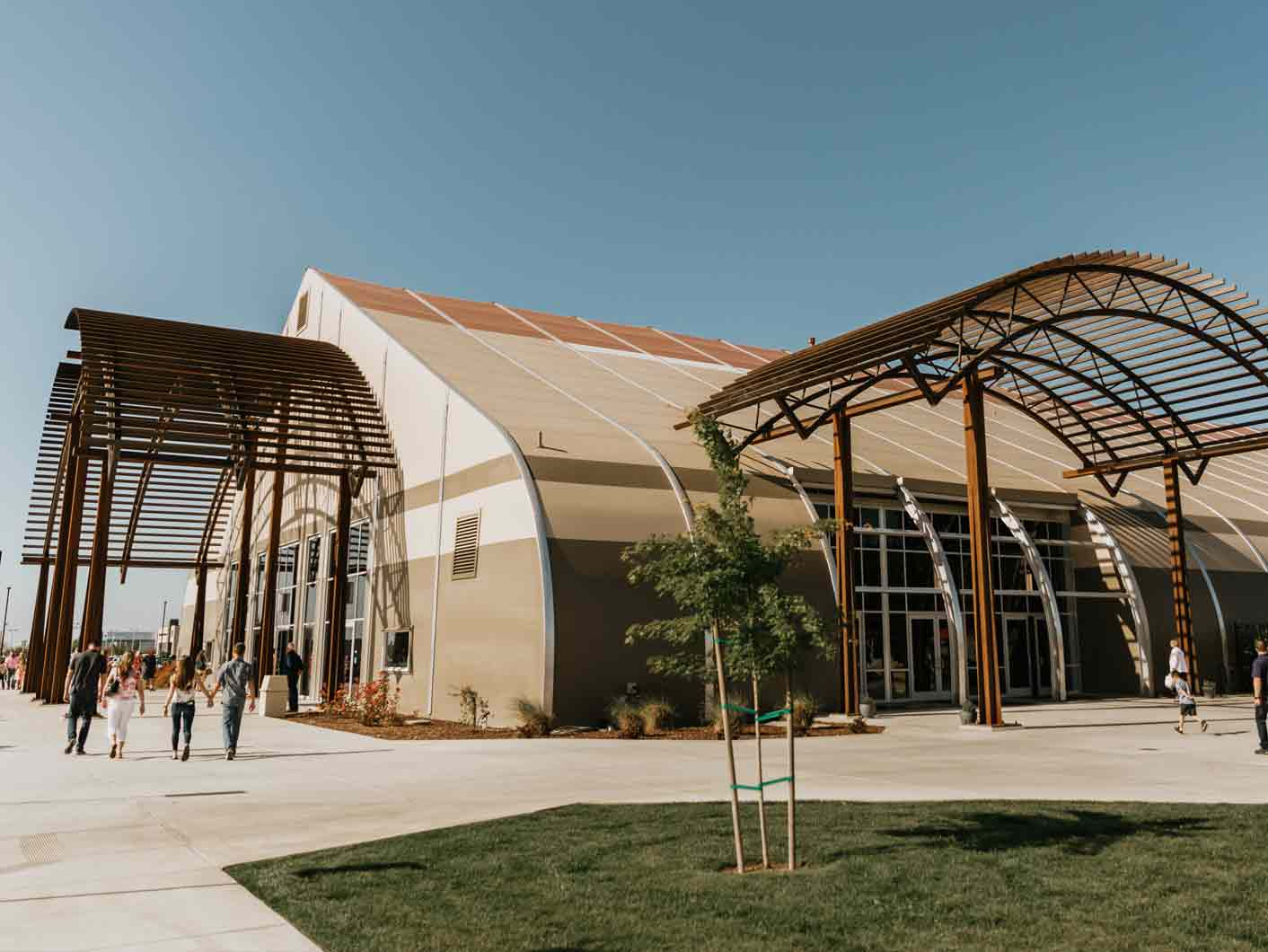 New Life Christian Center, this expanding church needed immediate space for its growing congregation.